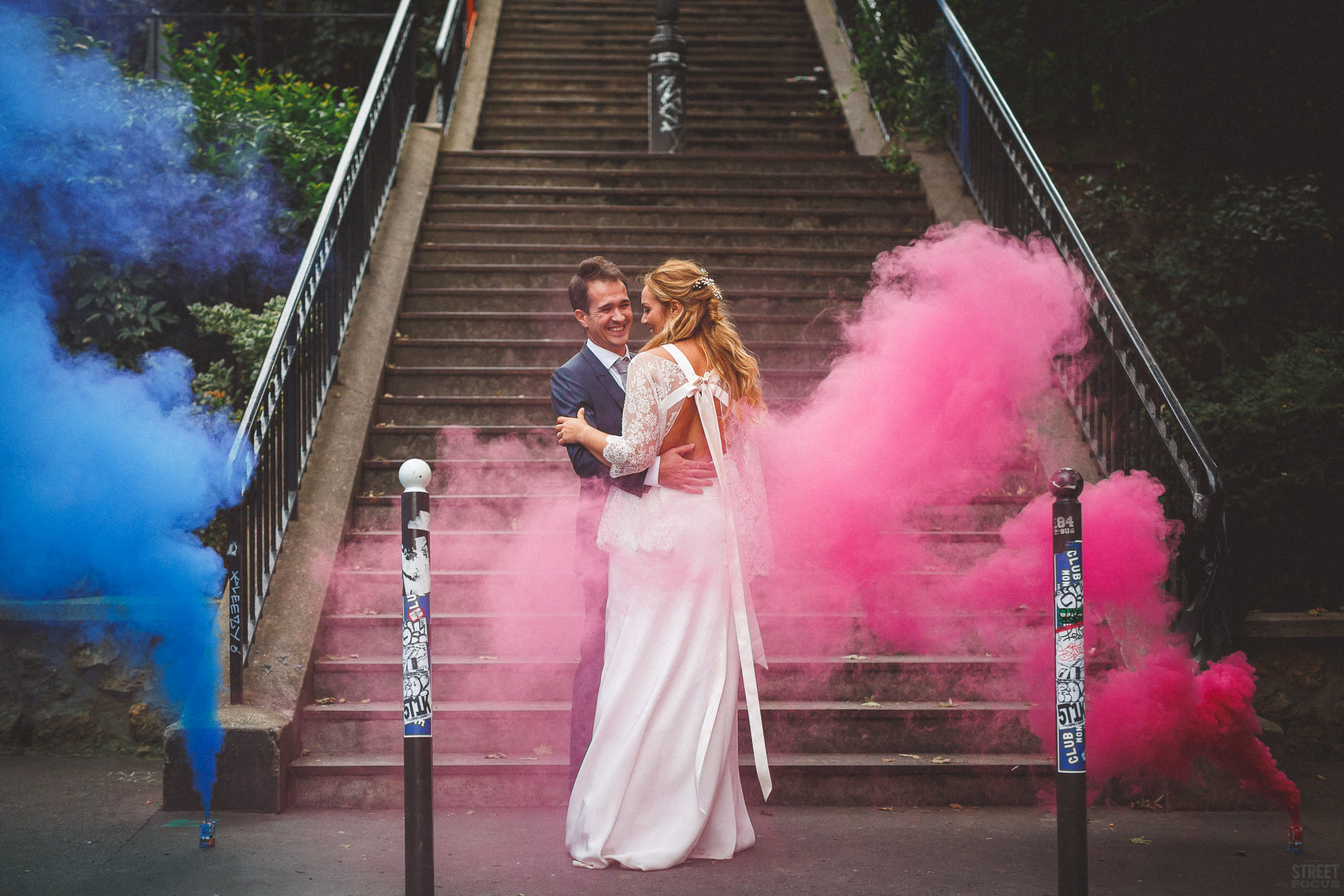 Photo couple mariage chic paris photo couple originale fumigène wedding planner artis evenement