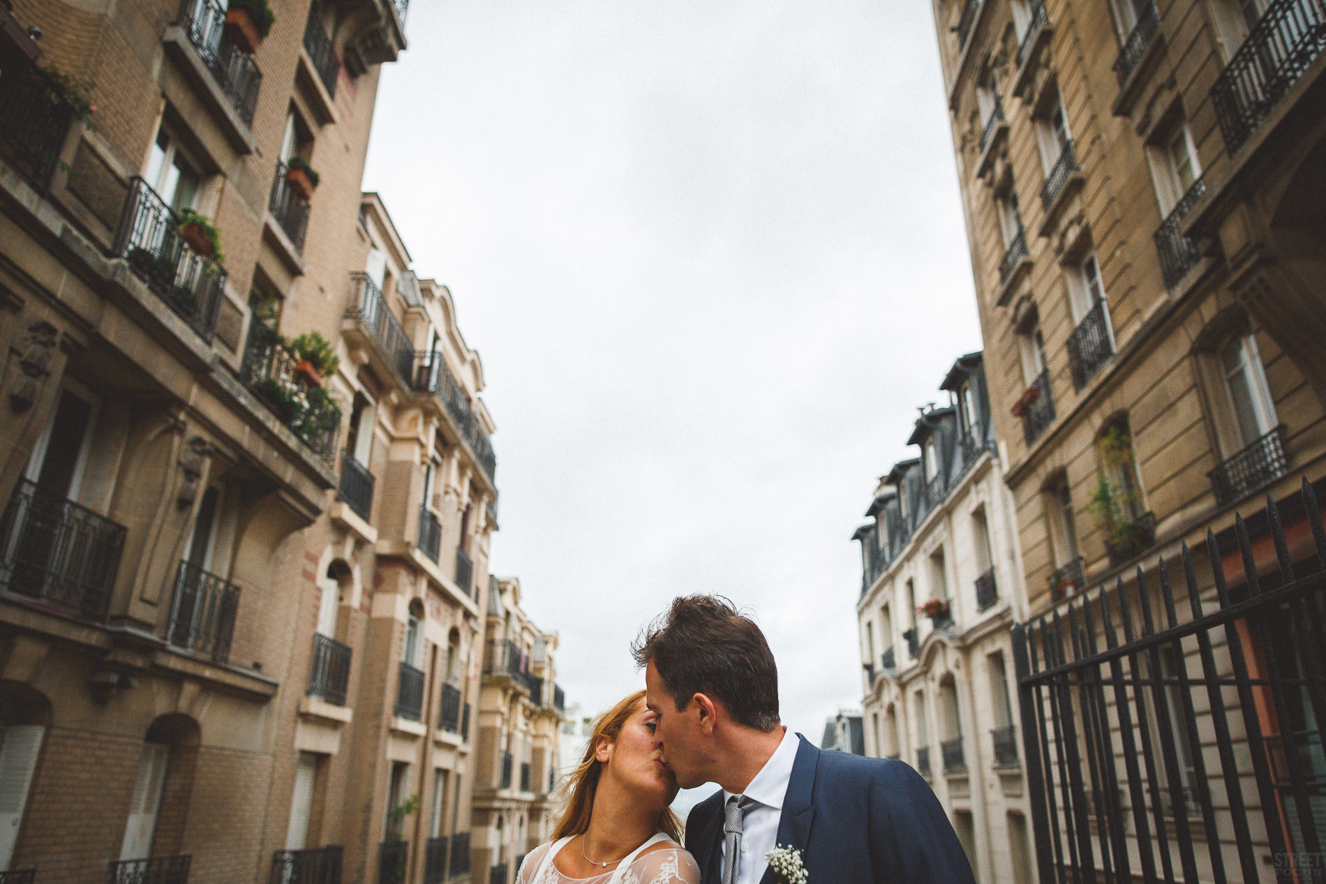 wedding_planner_mariage_chic_fun_elegant_photo_couple_romantique_paris_montmartre