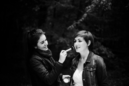 la-femme-gribouillage-artis-evenement-seance-photo-after-day-robe-de-mariee-foret-photos-apres-mariage-mua-preparatifs-maquillage