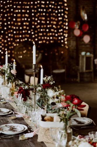 artis-evenement-wedding-planner-designer-les-bonnes-joies-location-mobilier-decoration-vintage-guinguette-champetre-boheme-mariage-paris-montmartre5