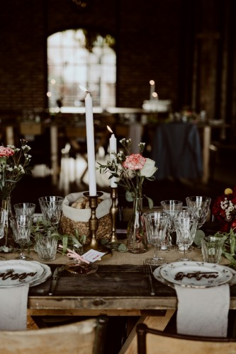 artis-evenement-wedding-planner-designer-les-bonnes-joies-location-mobilier-decoration-vintage-guinguette-champetre-boheme-mariage-paris-montmartre6