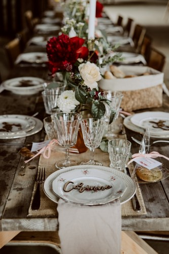 artis-evenement-wedding-planner-designer-les-bonnes-joies-location-mobilier-decoration-vintage-guinguette-champetre-boheme-mariage-paris-montmartre9