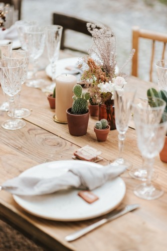 artis-evenement-wedding-planner-provence-mariage-boheme-terracota-pampa-kinfolk-decoration-wedding-destination67