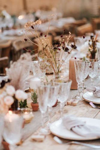 artis-evenement-wedding-planner-provence-mariage-boheme-terracota-pampa-kinfolk-decoration-wedding-destination77